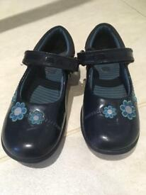 Clarks size 9F Patent Leather Shoes