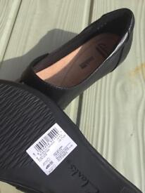 New Girls School Shoes Size UK 5 Fit D, EUR 38