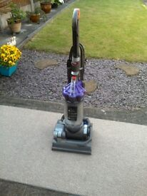 DYSON DC33 ANIMAL UPRIGHT HOOVER