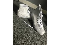 White leather converse size 6