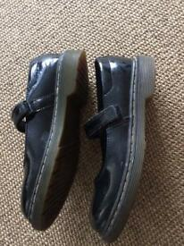 Dr Martin Girls Size 2 black patent shoes -used