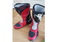 ***Sold*** Oxtar motorcycle boots, size 8/ 42 Red.