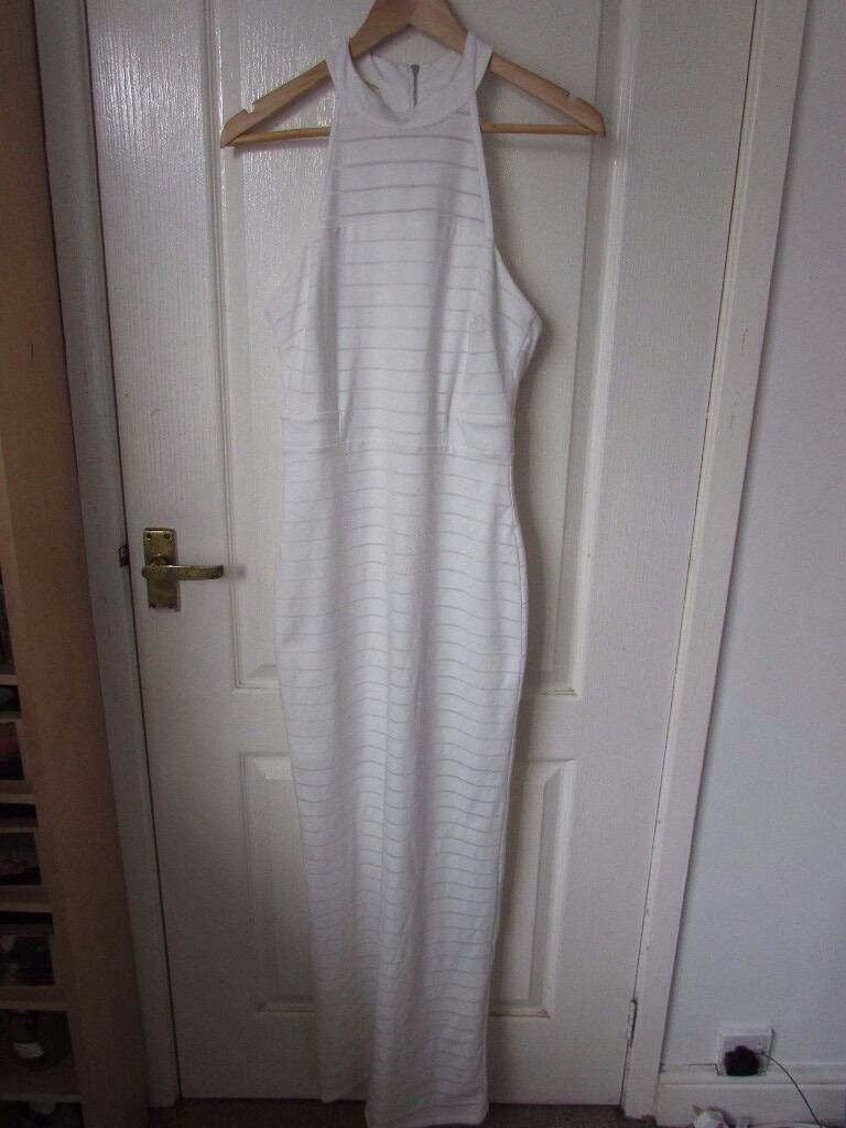 White Lipsy Dressin Ramsbottom, ManchesterGumtree - Im selling my white Lipsy maxi dress, size 10. Its in perfect condition as Ive only worn it once for my prom. It comes with the Lipsy bag from the shop