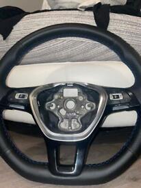Vw mk7 golf/transporter t6/Passat b8 reuphsoltered flat bottom steering wheel
