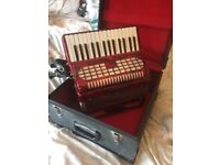Red chanson accordian accordian great condition with lined case