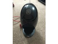 DeLonghi Dolce Gusto Nescafé coffee machine. Only used a dozen times. Hot and cold drinks.