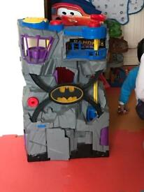 Fisher price imaginext DC superfriends batcave, Batman and robin figures included