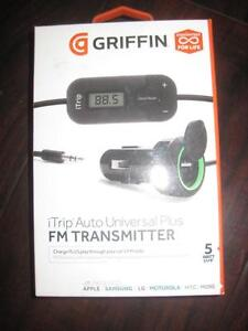 Griffin iTrip Universal FM Transmitter / Car Charger with Aux Audio Cable. Play Music in Car Stereo from any Phone. NEW