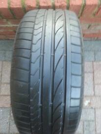 Bridgestone Pontenza 225 50 R17 98Y Tyre