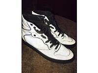 Boys / Men's Balenciaga Reflective Boots Size 40