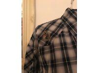Men's Luke shirt. Size large