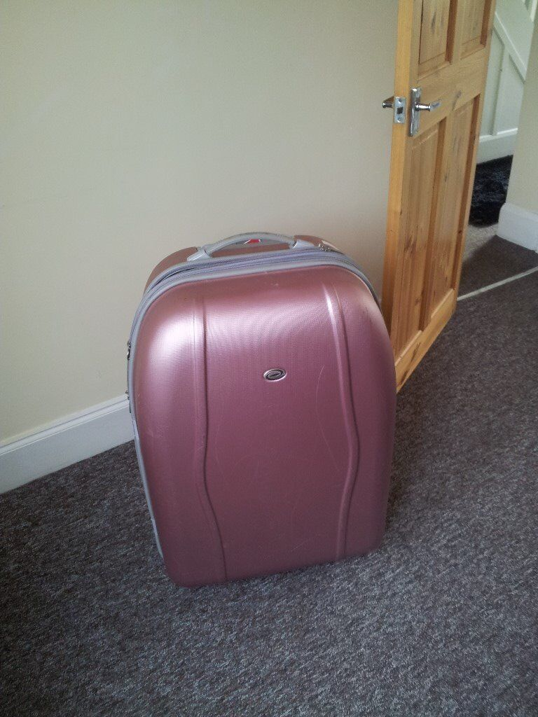 BARGAIN LARGE PINK SUITCASE | in Coventry, West Midlands | Gumtree