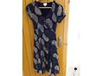 East size 10/12 crinkle dress