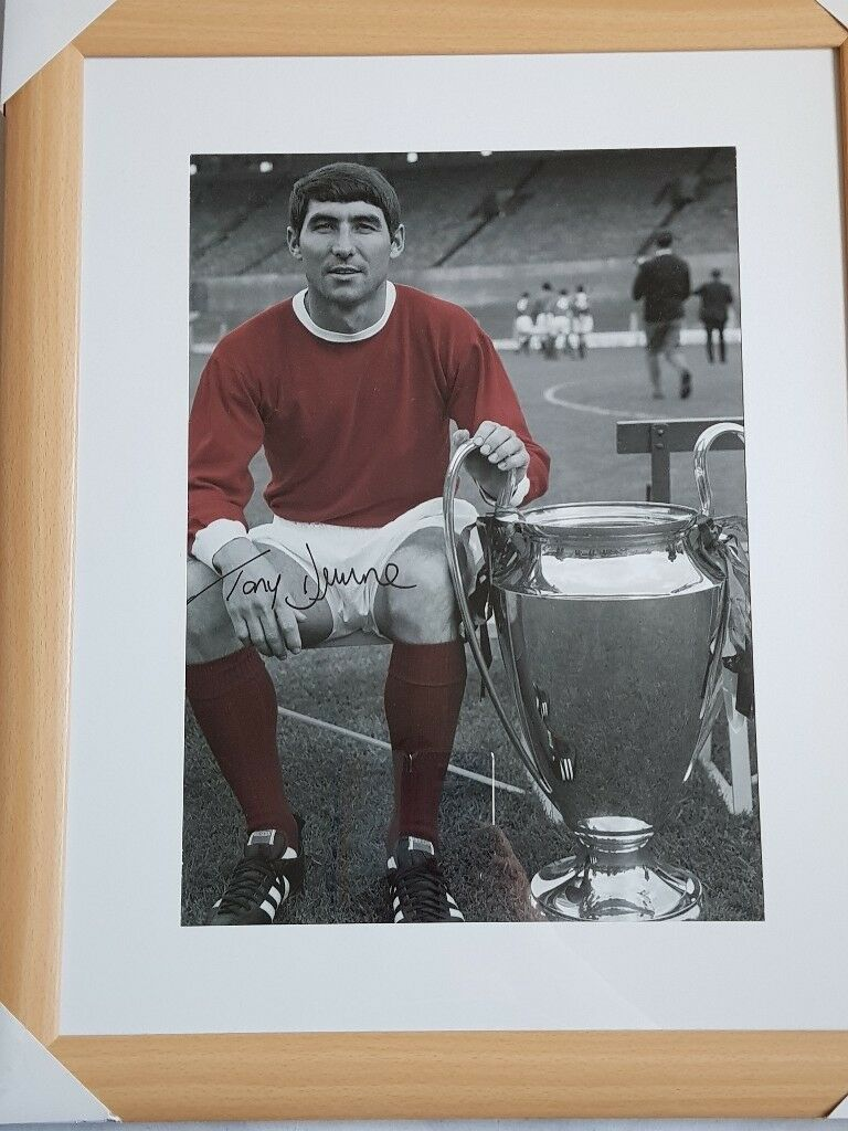 Signed tony dunne photo