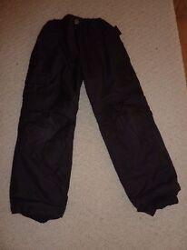 Black ski trousers age 6