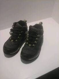 BOYS CLARKS GORE-TEX BOOTS SIZE 8G