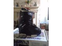 Atomic snowboading boots Style Glamour BOA. UK sizes 4.5 & 6.5 Brand new in box.