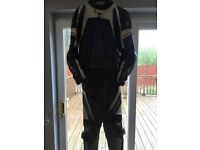 Men's Richa 2 piece motorbike leathers £100 Ono