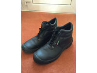 MENS STEEL TOECAP WORK BOOTS-SIZE 12