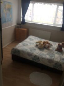 Double to rent , one room to rent in pin green Stevenage , very nice and very clean house.