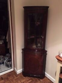 REPRODUCTION REGENCY SOLID WOOD CORNER DISPLAY UNIT IN VERY GOOD USED CONDITION FREE LOCAL DELIVERY