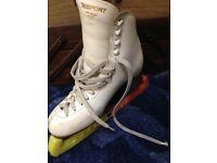 Ladies White Leather Risport Ice Skates Size 6