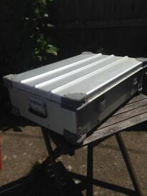 Metal case/ trunk