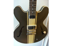 Gibson Epiphone Tom Delonge signature electric guitar in excellent condition.