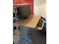 Computer Desk for Sale in Cardiff