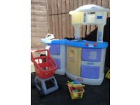 Little Tikes Kitchen with shopping trolley