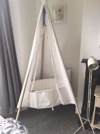Leander hanging cradle, nearly new