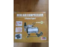 MINI AIR COMPRESSOR WITH AIRBRUSH - BRAND NEW MINT CONDITION