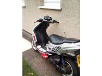 Good moped whit mot