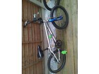 BMX bike mongoose wheels and aluminium frame