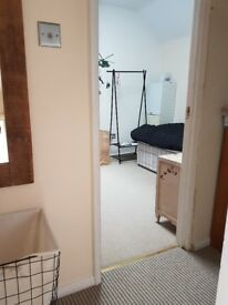 Single Room in Family Home: New Rd Royal Wootton Bassett (SN47DQ)