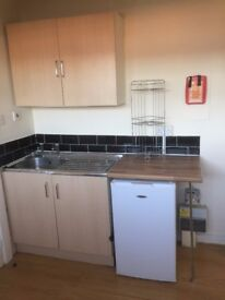 *FANTASTIC NEWLY REFURBISHED STUDIO FLATS, RECREATION TERRACE LS11 £100 DSS WELCOME NO BOND
