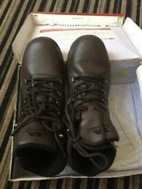 Trespass shoes