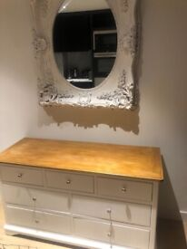 Chest of Drawers/ Sideboard