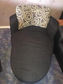 Chaise/cuddle chair