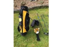 Right hand child golf clubs and bag