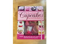 Cupcake kit with book (unused, as new)