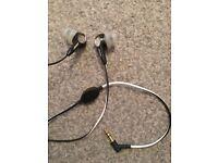 Bose In Ear headphones nearly new!