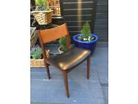 A GREAT LOOKING SET OF 4 MID-CENTURY TEAK & VINYL G-PLAN DANISH STYLE DINING CHAIRS FREE DELIVERY