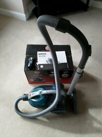 Hoover Rapid Bagless Cylinder Vacuum Cleaner (Excellent Condition - Boxed)