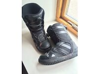 K2 Vandal Junior Snowboard Boots with BOA lacing system Size 6 UK