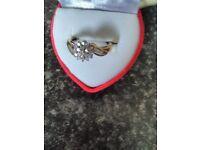 gorgeous 9 ct yellow gold 0.33 ct diamond ring