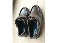 Cosyfeet men's brown leather shoes. Size 9 - NEW