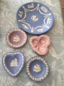 Wedgewood trinket dishes and a plate