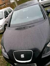 SEAT LEON 1.6ltr TDI Hatchback Black 61plate