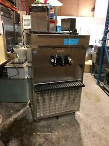 Complete Set Ice Cream Store Equipment / Set Complet Equipements Cremerie